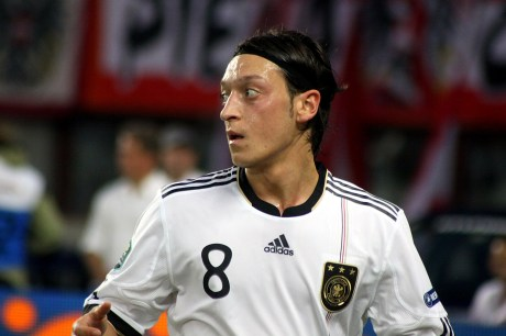 Mesut_Özil,_Germany_national_football_team_(03)